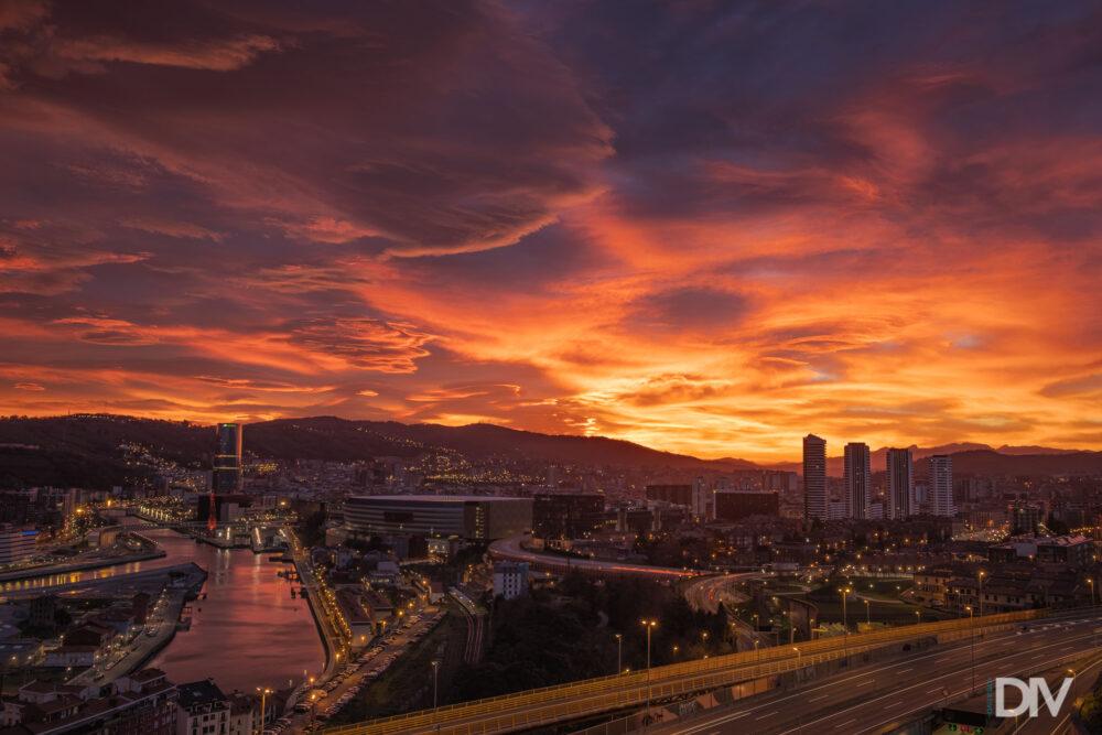 DIVCREATIVO-amanecer épico en Bilbao